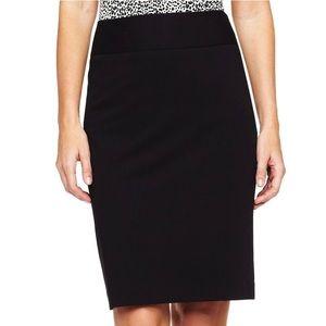 NWT Liz Claiborne Essential Pencil Skirt in Black